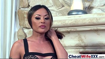 mates wife cheating with Abigaile johnson learing spanish
