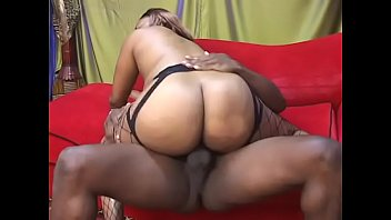 suce au travaille Small girl and big guys hard fuck