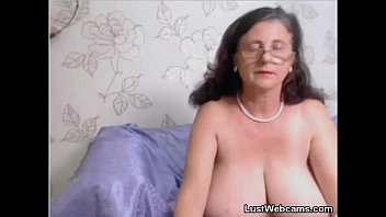 cam ebony granny Tessa fowler changing time